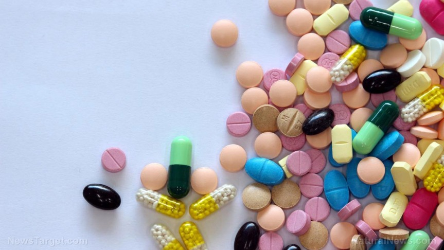 diferent-tablets-mix-heap-drugs-pills
