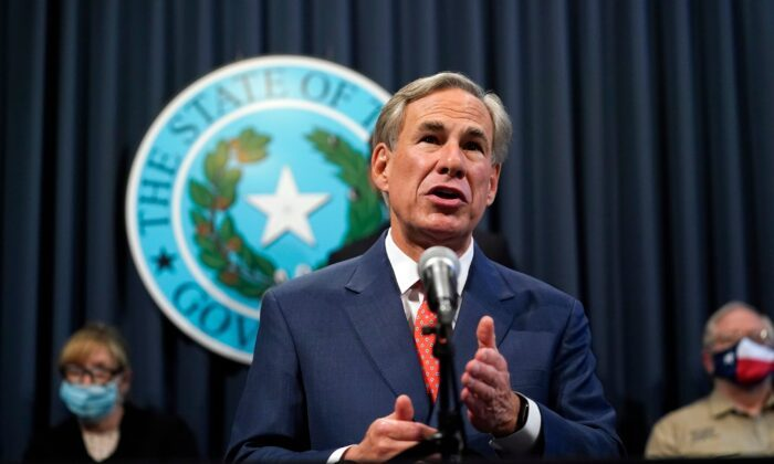 Texas Gov. Abbott Says Intercepted Fentanyl at US Border Saw 800 PercentIncrease